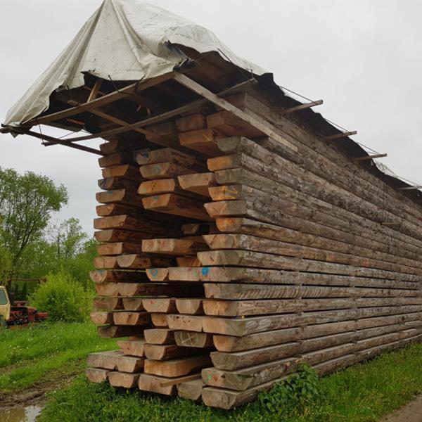 Sprzedaż bali drewnianych